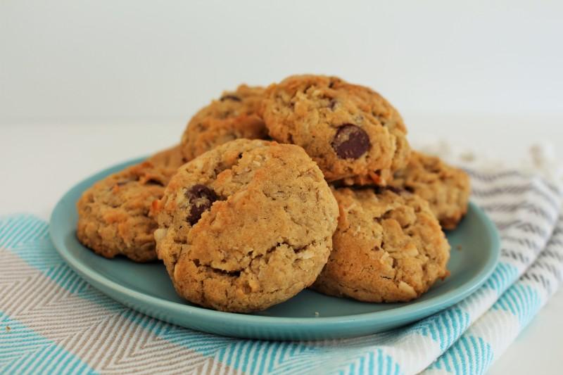 Cookies de chocolate, coco e aveia 11