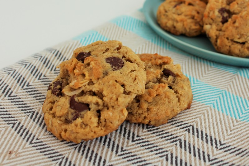 Cookies de chocolate, coco e aveia 8