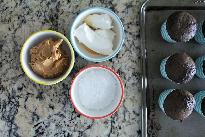 Cupcake de chocolate e peanut butter 3