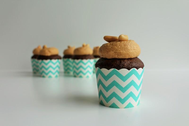Cupcake de chocolate e peanut butter 7
