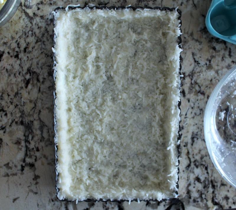 Torta de coco e frutas vermelhas sem glúten 2