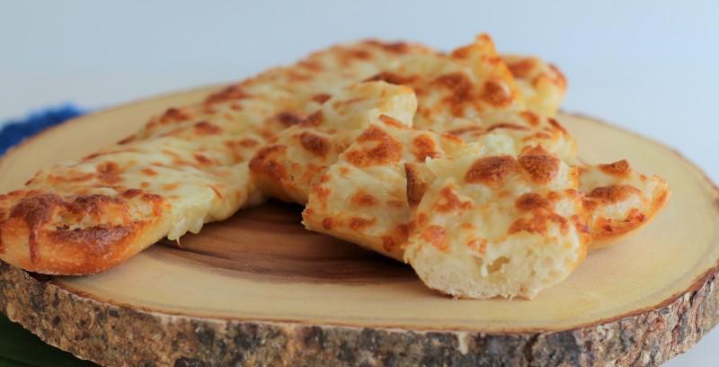 Pão de alho com queijo 12