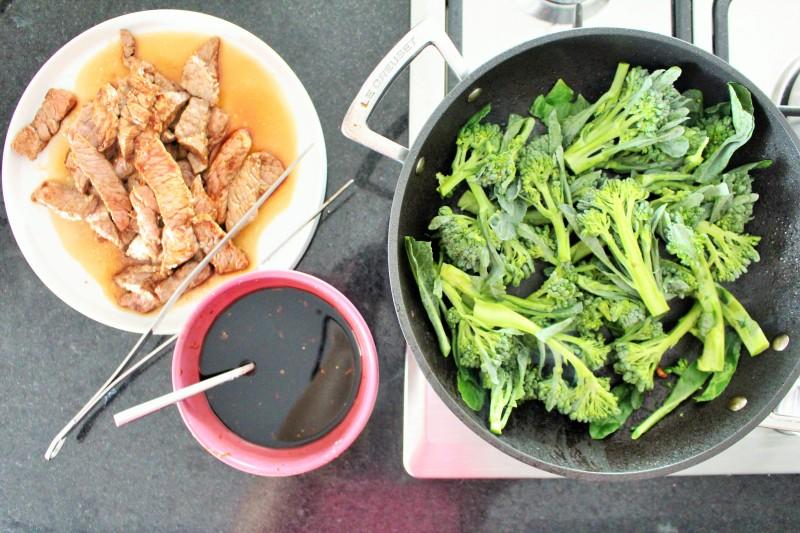 Carne asiática com brócolis 4