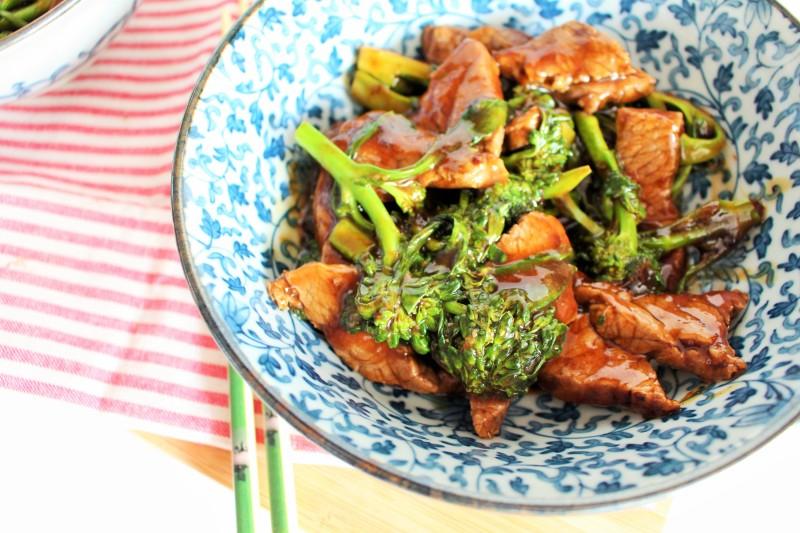 Carne asiática com brócolis 8